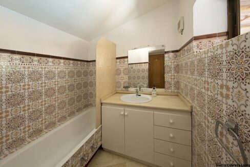 ensuite-bathroom-3468-2836